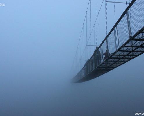 Խնձորեսկի ճոճվող կամուրջը