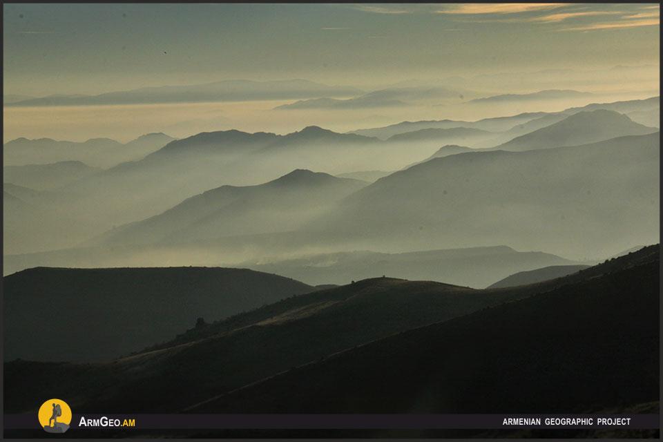 Картинки по запросу Сверху виднее. Как живут в Армении