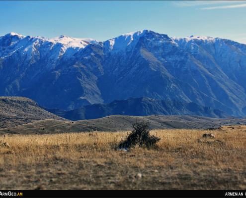 Թեքսարի լեռներ