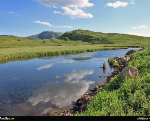 Փառակատար լեռ և Արտավանի լիճ