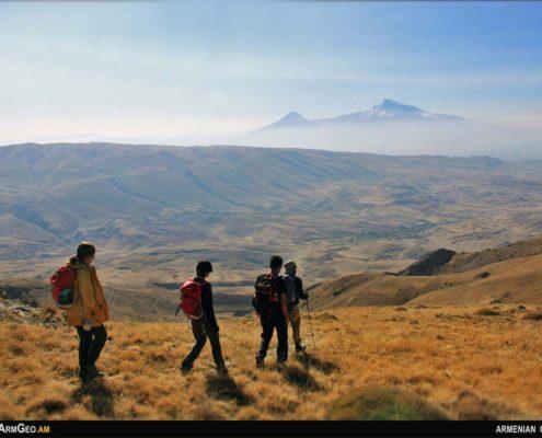 Տասանորդի լեռներ
